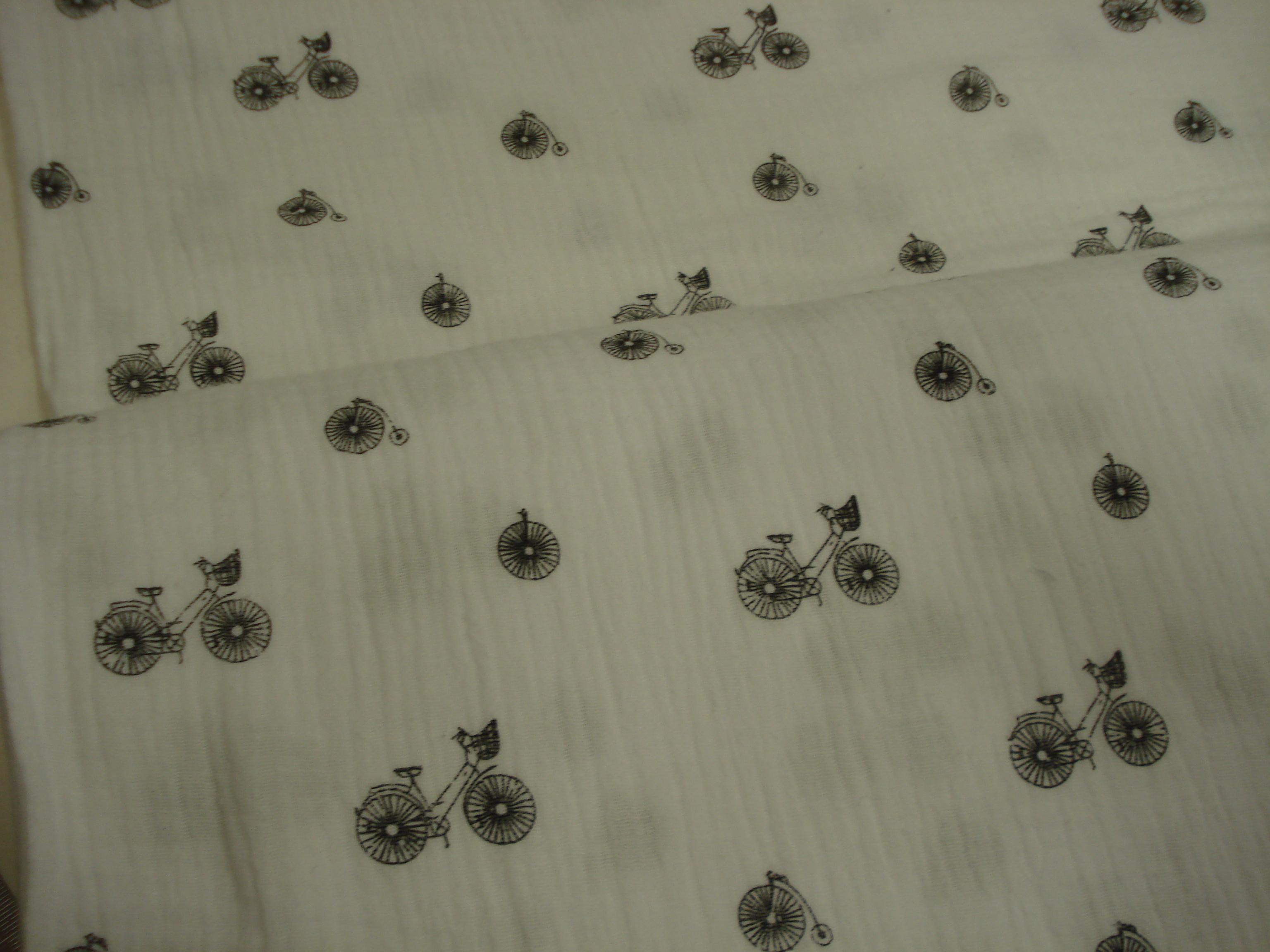 Hydrofiel katoen wit met zwarte fietsjes