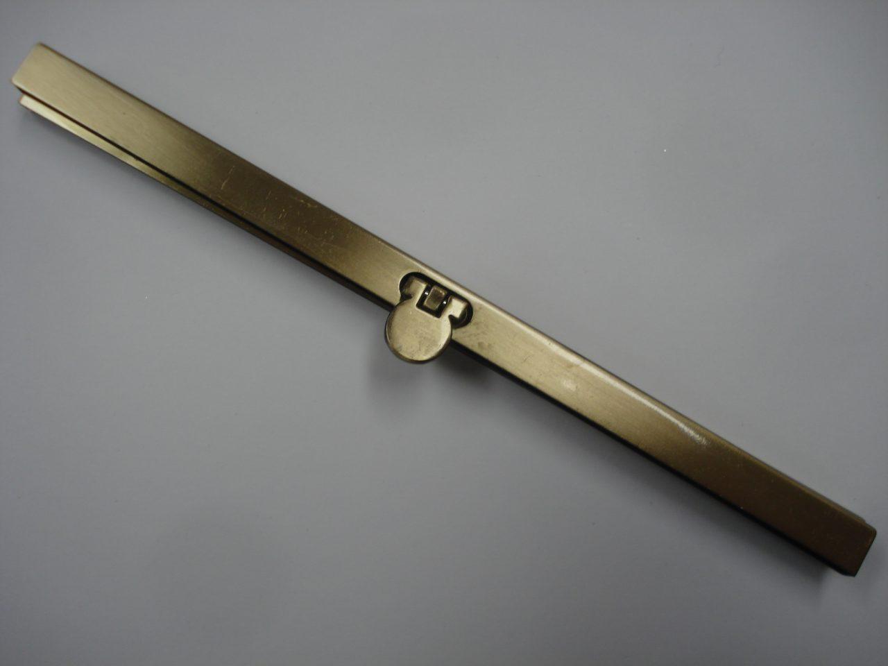 Beursbeugel recht mat goud 19cm.