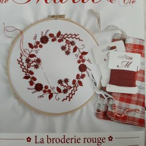 Les Broderies de Marie et Cie La broderie rouge nr. 13